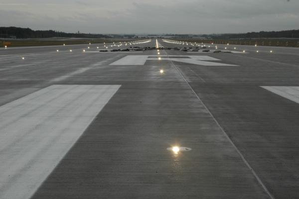Frankfurt / Runway 07L – 25R, CAT III